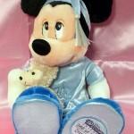 ダッフィーを抱いたミッキーぬいぐるみ★ミッキーとミニーのぬいぐるみバッジなどのディズニーグッズの買取なら当店へ♪