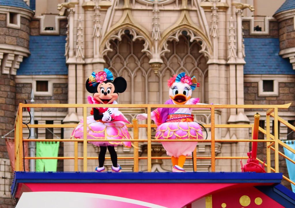 東京ディズニーランド、スタッフインパレポート。ディズニー夏祭りのフィナーレ「彩涼華舞」を堪能してきました♪
