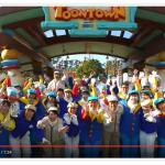 トゥーンタウンのキャスト90名がマネキンチャレンジする動画が公開されました!開園前のトゥーンタウンは大忙しです!