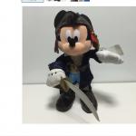 海賊に扮したミッキーのグッズが東京ディズニーランド限定で登場!黒を基調としたかっこいいデザインです♪ディズニー・サマー・パイレーツにぴったり!